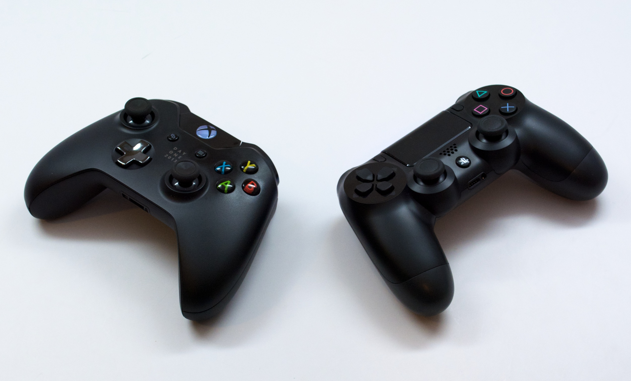 Microsoft will allow cross platform play with PS4 and PC players